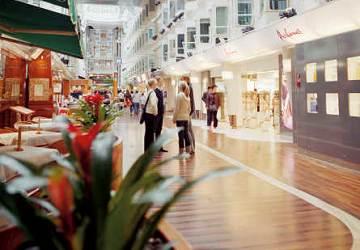 tallink_silja_silja_symphony_promenade_shops