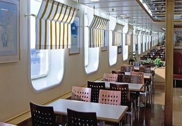 ventouris_ferries_bari_cafe_seating
