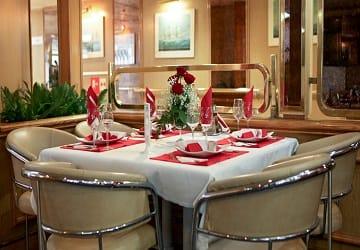 ventouris_ferries_bari_restaurant